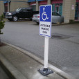 Flexible-Bollard-With-Sign-Installed
