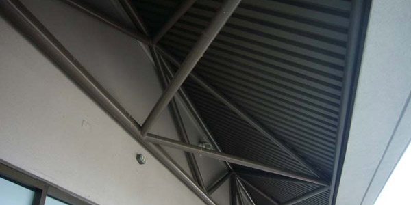 Soffit-area-for-bird-netting